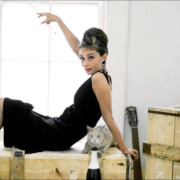 Audrey Hepburn in de ultieme LBD, Breakfast at Tiffany's (1961) Paramount Pictures